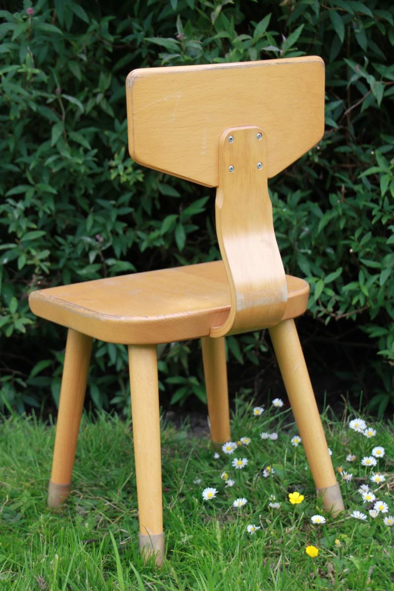 Ouderwetse Houten Kinderstoel.Houten Kinderstoel Marijke Keizer