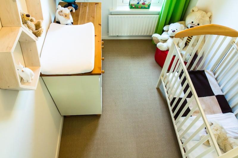 Ruime Lichte Babykamer : Kleine babykamer marijke keizer