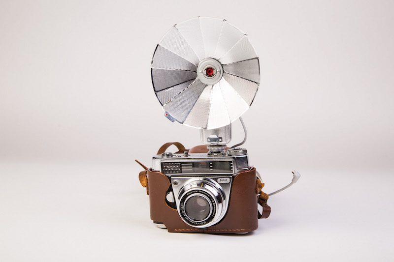Fototoestel met flitser